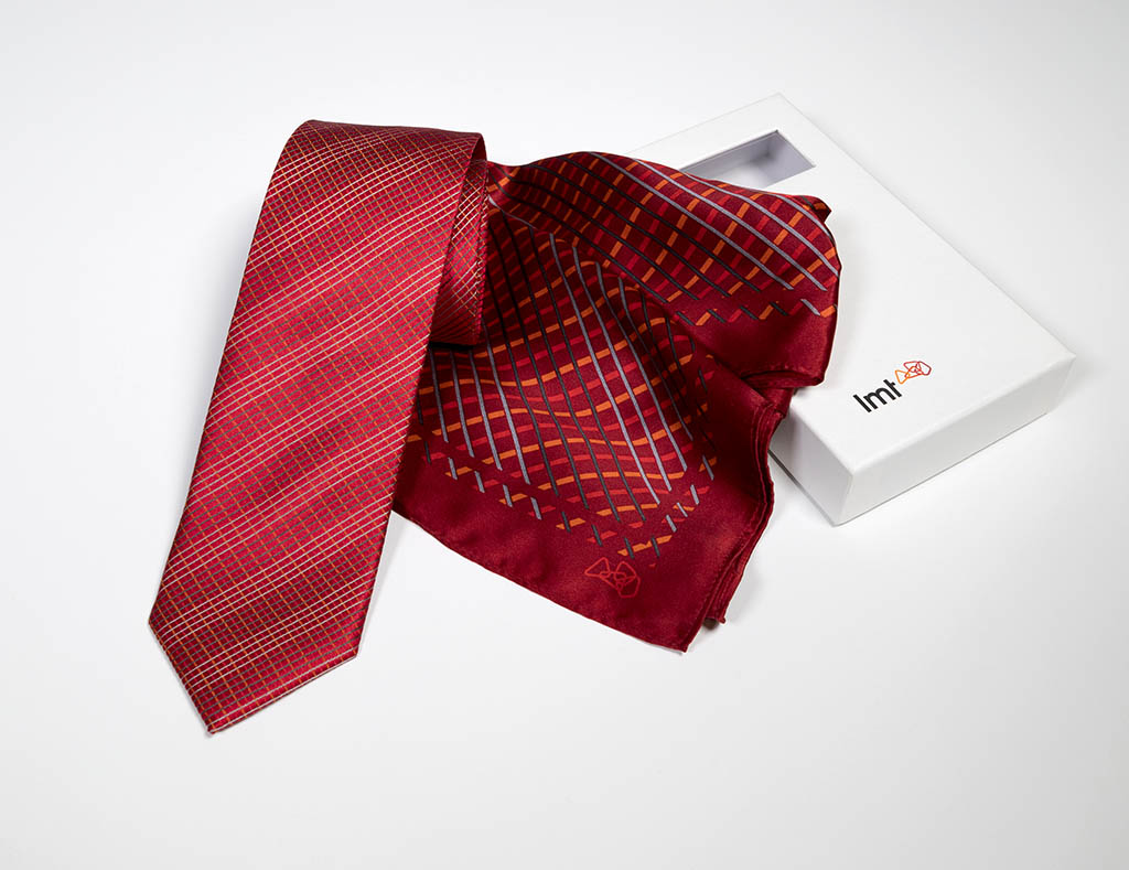 LMT speciāla dizaina kaklasaite un lakats Parnass